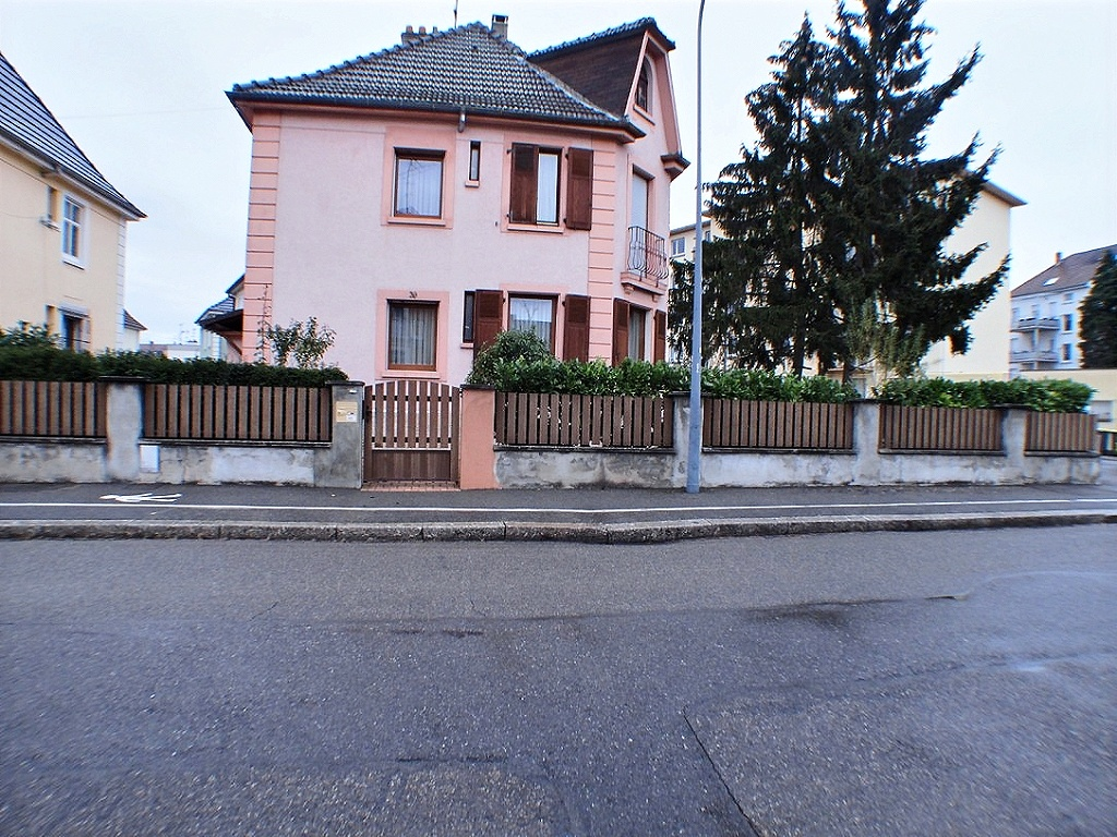 Mulhouse rue de la Doller, Maison 133 m² 5-6 pièces, terrain 318m²