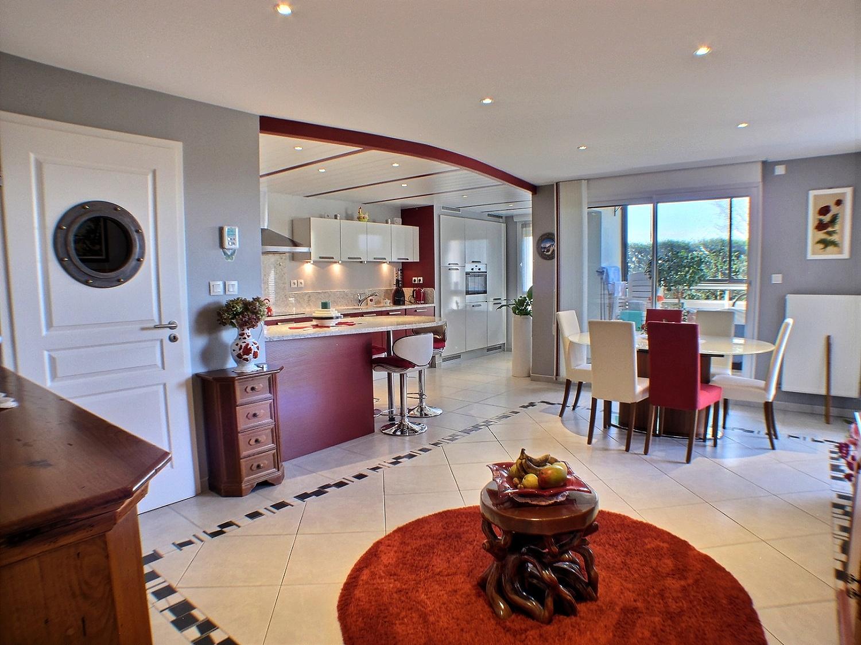 Appartement 4 pièces, véranda, terrasse et jardin