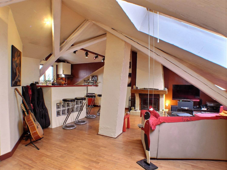 Mulhouse, appartement 2 pièces avec cheminée