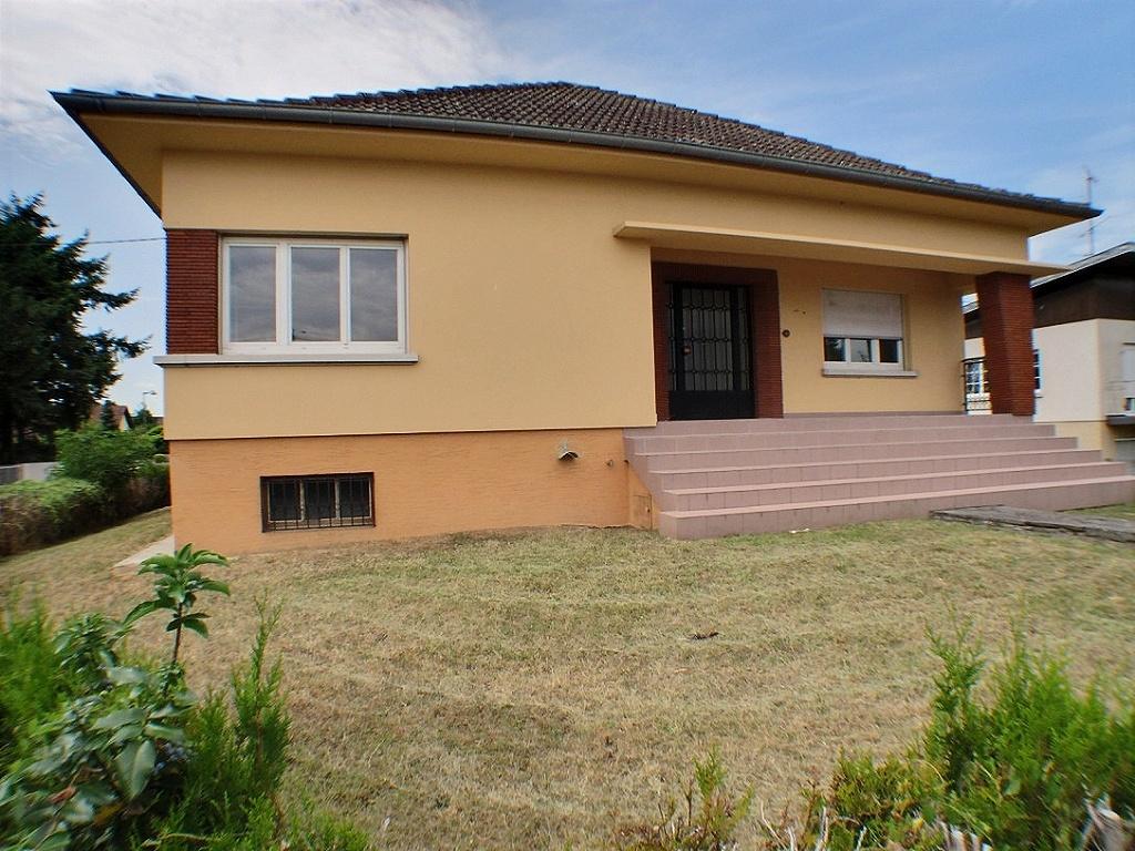 Illzach, Maison plain-pied, 3 chambres, grand terrain.