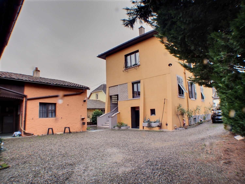 Wittelsheim, Maison avec belles dépendances, grand terrain.